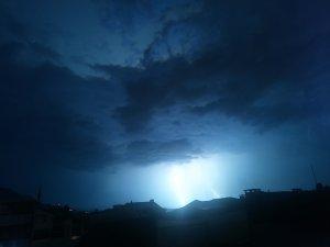Bursa'da geceyi aydınlattı