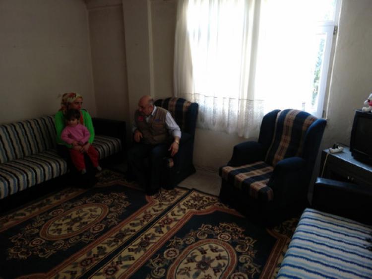 Kimse Yok Mu'nun yardımları mağdur ailenin evini ısıttı