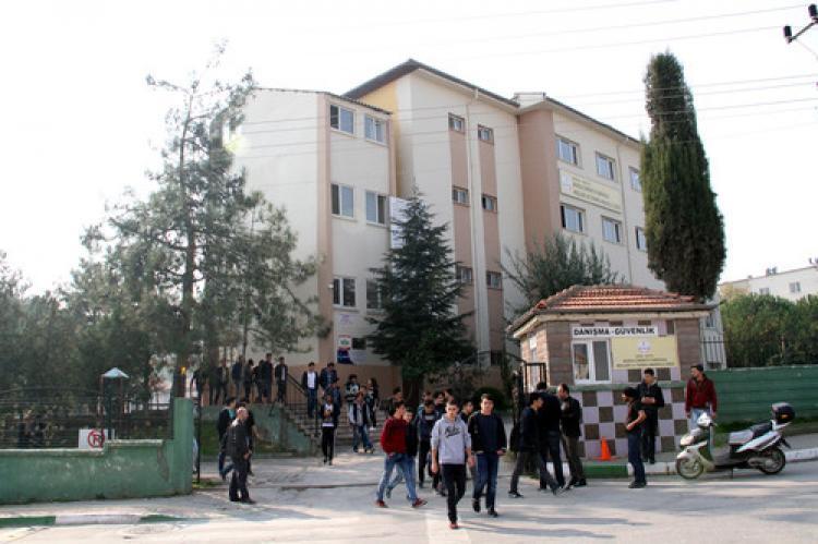 Bursa'daki okulda palalı dehşet!