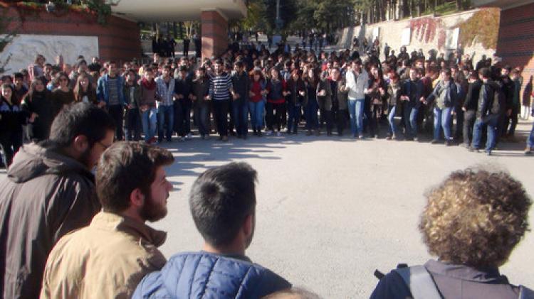 Öğrenciler, YÖK'ü protesto etti