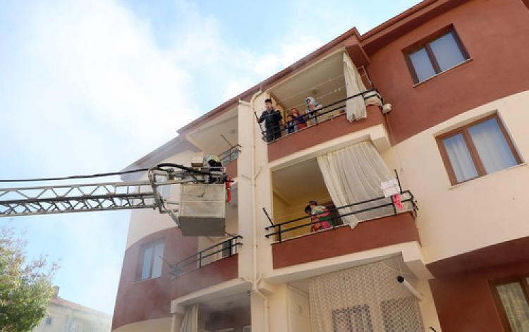 Apartmandaki yangında can pazarı