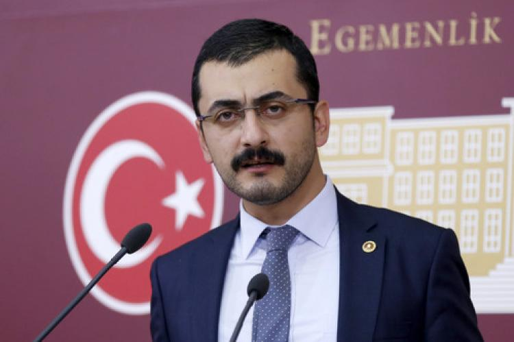 CHP'li Erdem: Basın kartlarına el koymaya hazırlanıyorlar
