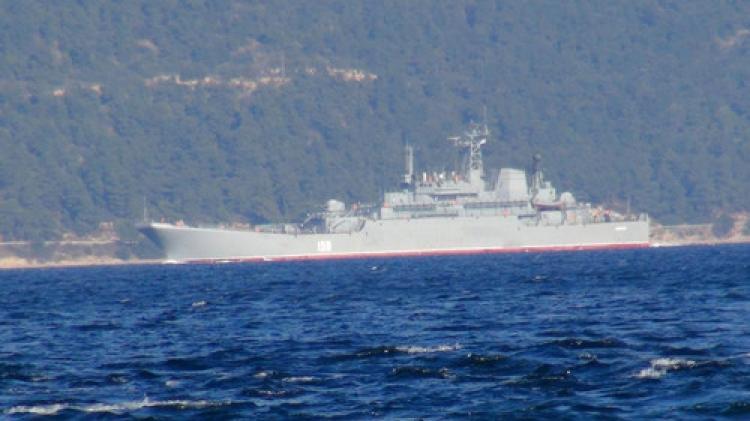 Çanakkale Boğazı'ndan Rus savaş gemisi