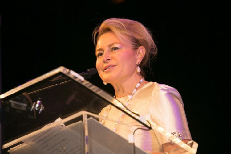 Dünya kadınlarından Demet Sabancı Çetindoğan'a ödül