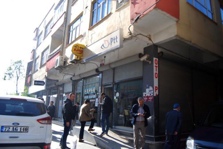 Kar maskeli kişi PTT şubesini soydu