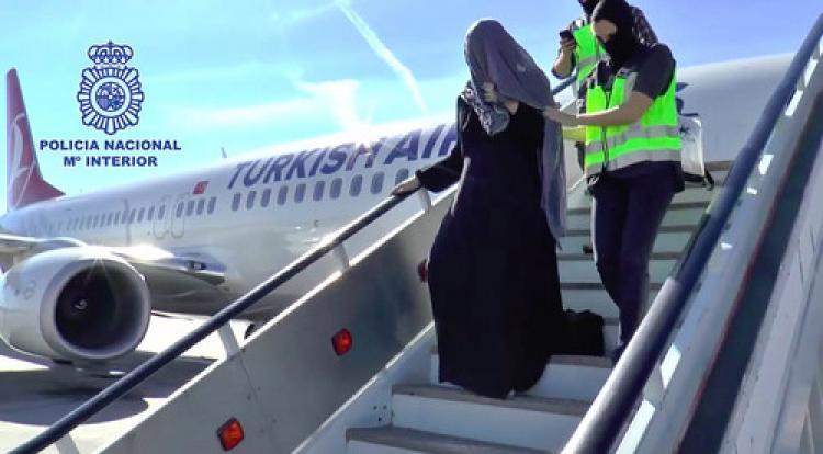 IŞİD şüphelisi THY yolcusu uçaktan indirildi