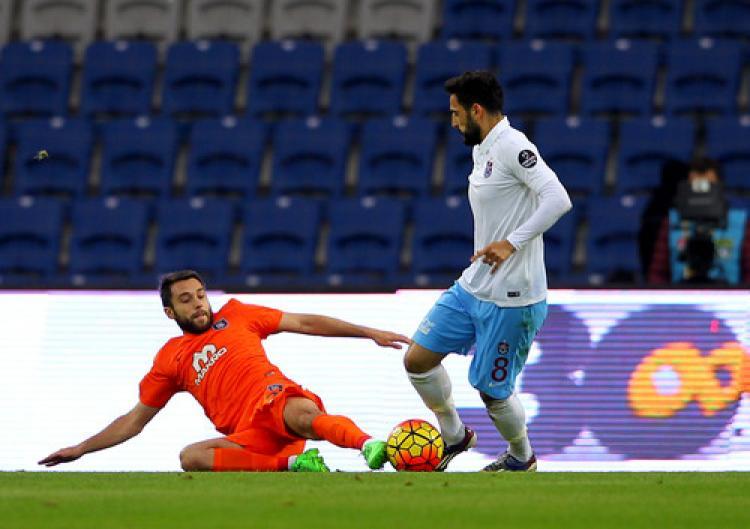 Medipol Başakşehir: 1 - Trabzonspor: 0 (İlk yarı)