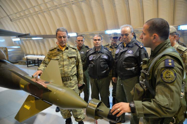 Akar, Adana ve Diyarbakır'da birlikleri denetledi