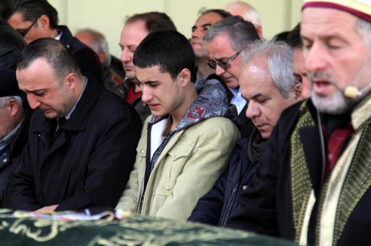 MİT mensubu baba ile kızı Bursa'da defnedildi