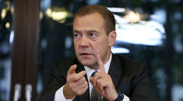 Medvedev: Mısır'a yönelik uçak seferleri yasağı kısa vadeli değil