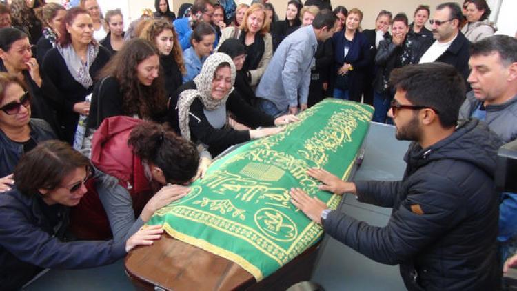 Romanya'daki faciada ölen Ayberk'in cenazesi İzmir'e getirildi