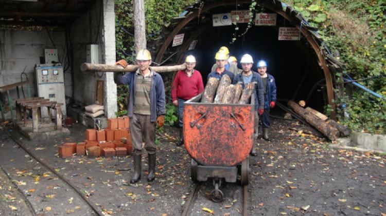 Maden ocağında Atatürk'ü andılar
