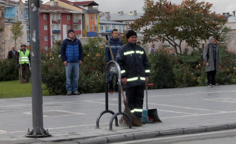 Atatürk, ölümünün 77. yılında Sivas'ta törenle anıldı