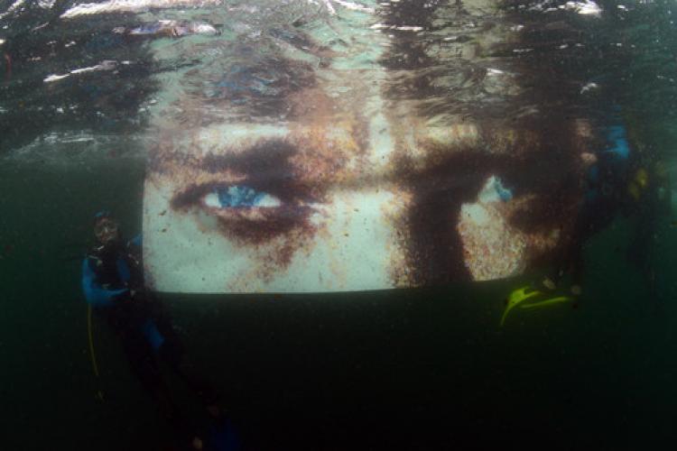Deniz altında Atatürk'ü andılar