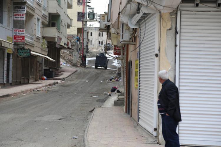 Silvan'da sokağa çıkma yasağı sürüyor