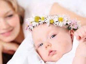 Bebeğine reflü olan annelere öneriler