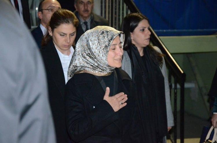 Sare Davutoğlu'ndan şehit evine ziyaret