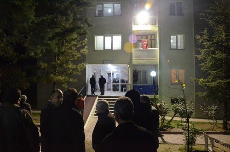 Mustafa Destici'den şehidin evine taziye ziyareti