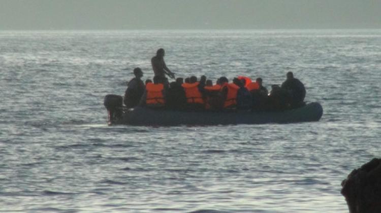 Göçmenler denize açılmaya devam ediyor