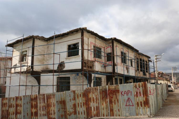145 yıllık Sarıkadı Konağı'nın restorasyon çalışmaları başladı