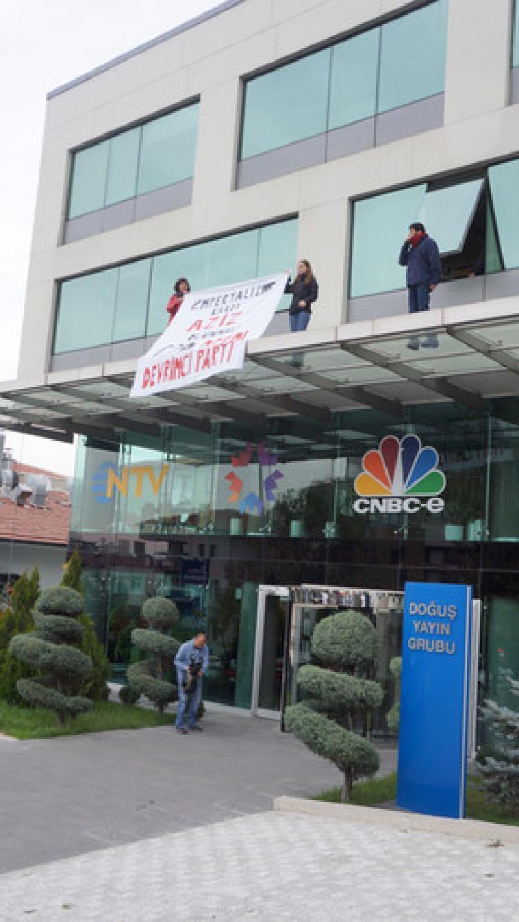 Eylemcilerden NTV binasına G20 baskını: 9 gözaltı