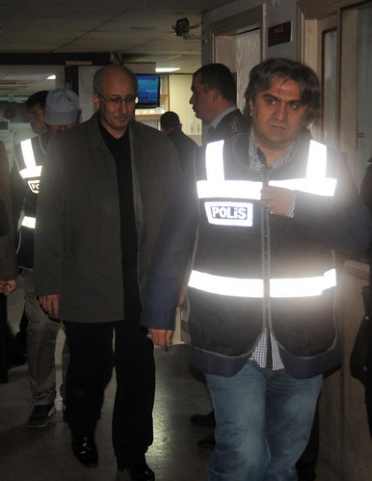 Manisa'da gözaltına alınan 25 kişi adliyeye sevk edildi