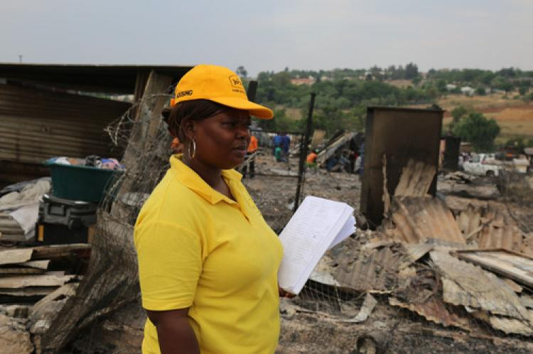 Dev yangın: 500 teneke ev kül oldu