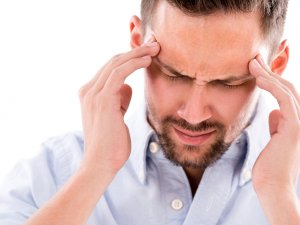 Göz migreni yaygınlaşıyor!