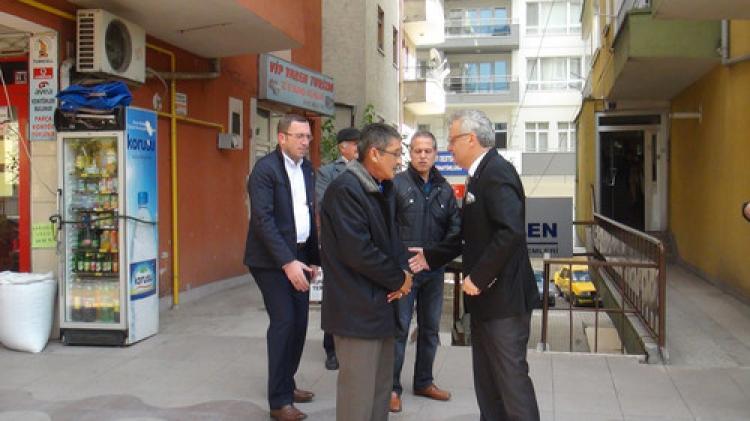 Van'da şehit olan askerin amcaları Vali Özcan tarafından ziyaret edildi
