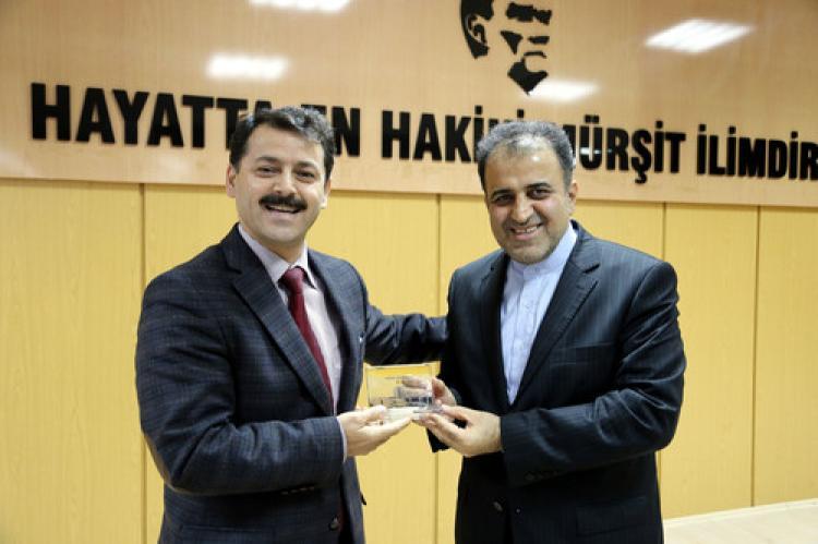 D-8 Genel Sekreteri Mousavi: Amacımız 8 ülke arasında ticareti çeşitlendirmek