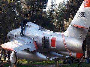 Savaş uçağı restore edildi