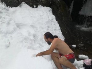 Uludağ'da kar banyosu