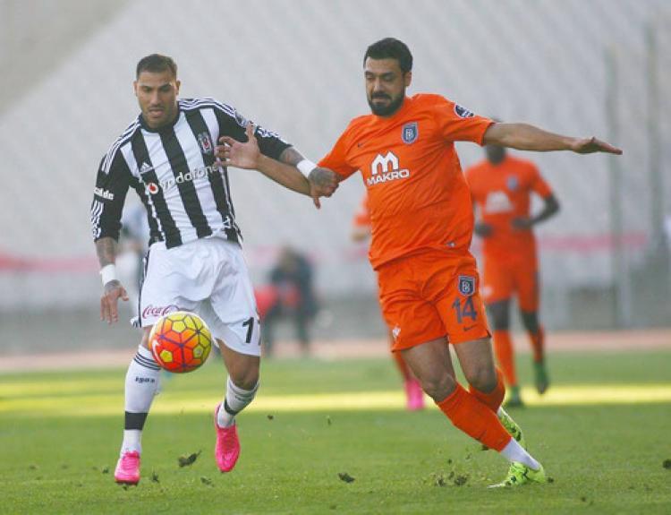 Beşiktaş - Medipol Başakşehir özel karşılamasında 1 - 1 berabere kaldı