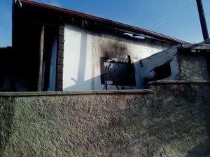 Mutfak tüpü patladı: 2 ölü