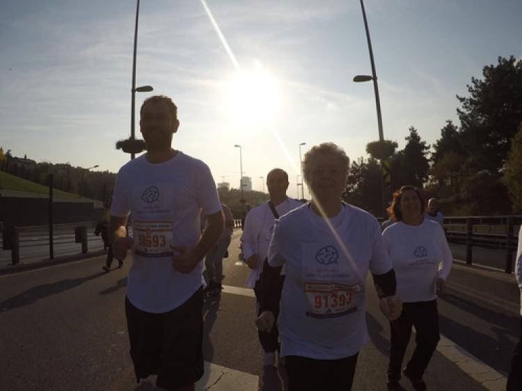 Parkinsonu yenen Kahyaoğlu beyin piliyle maratona katıldı