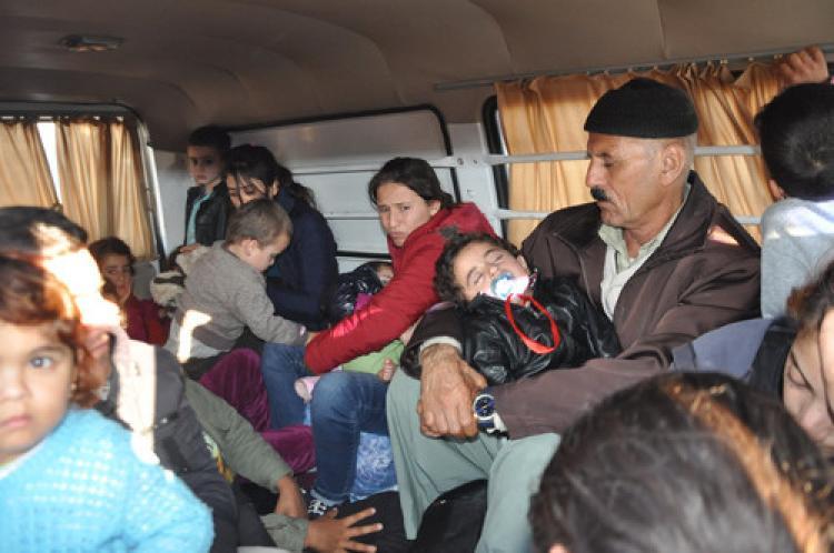 İki minibüsde 35 Suriyeli yakalandi