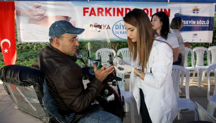 Büyükşehir'den vatandaşa ücretsiz diyabet testi