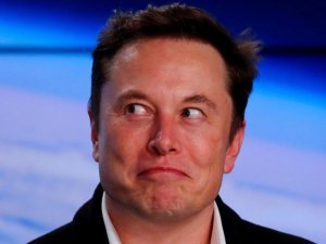 Elon Musk paraya para demiyor