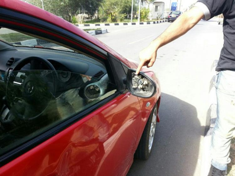 İki Kıbrıslı Türk yaralandı, araçları hasar gördü