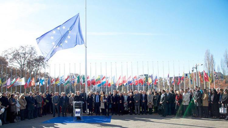 Avrupa Konseyi, Paris için saygı duruşundaydı