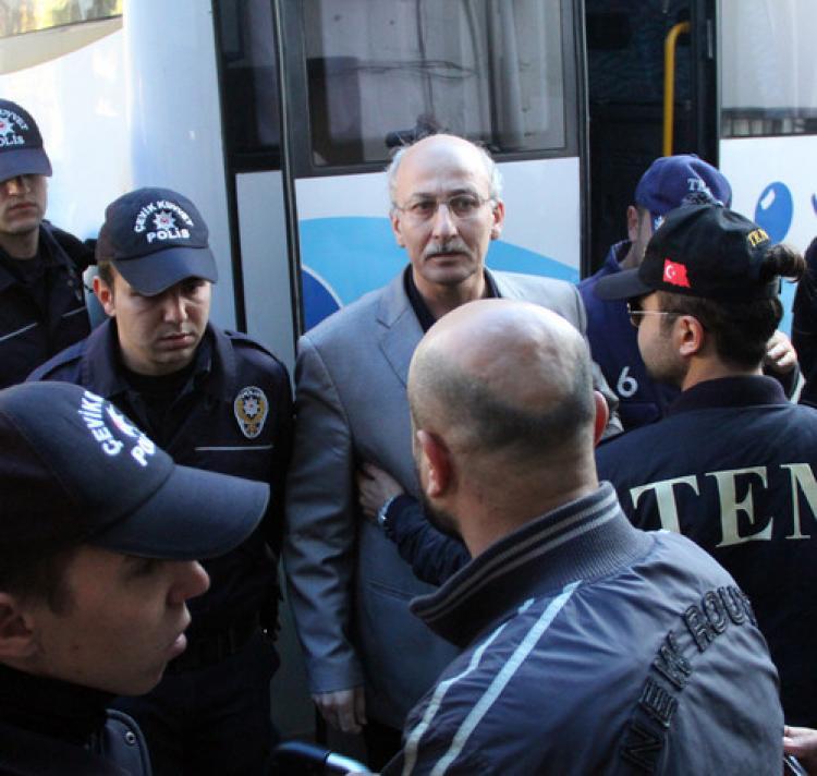 Din dersi öğretmeni terörden tutuklandı