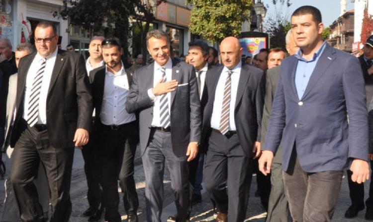 Fikret Orman: Şampiyonluk kupasını stadımızda kaldırmak istiyoruz
