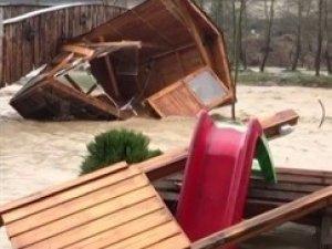 Bursa'da sel yıkıp geçti!