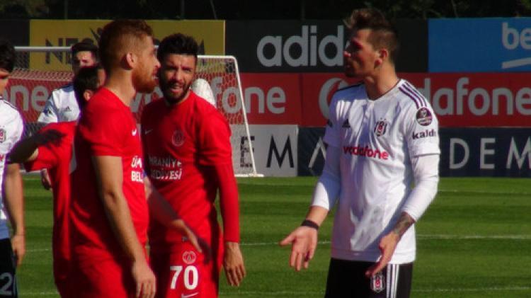 Beşiktaş, Ümraniyespor hazırlık maçında 1-1 berabere kaldı