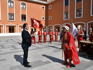 Osmangazi'den 70 ülkeye bilim