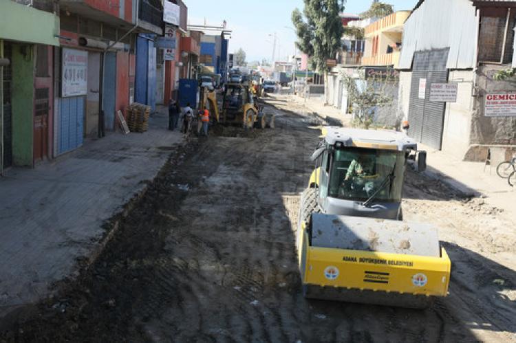 Büyükşehir'den, Şakirpaşa'da asfaltlama çalışması