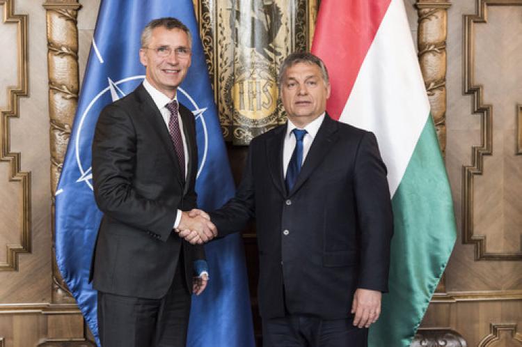 NATO Genel Sekreteri Stoltenberg Macaristan'da