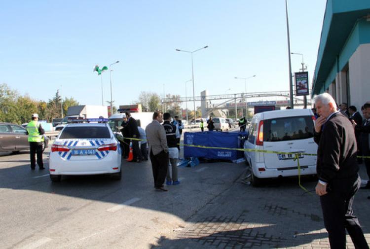 Bursa'da kaza: Polis memuru kamyonun altında kaldı!