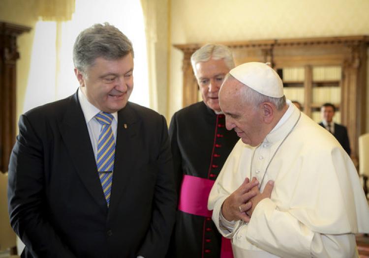 Poroşenko, Vatikan'da Papa ile görüştü
