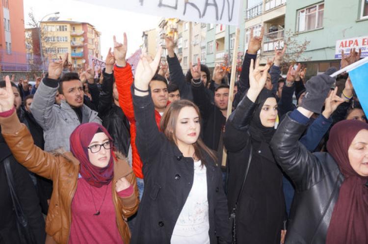 Ülkücüler İran'ı protesto etti